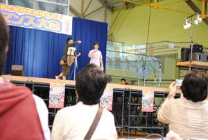 ONE POINT-02_ステージ02_司会グレゴリーさん